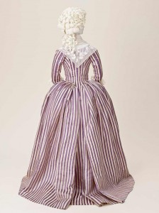 Robe - die populärste Kleiderart im 18. Jh.